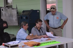 Sue, Peaches & Jim at Registration